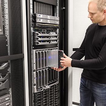 technicien serveur informatique